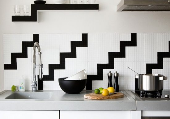 black-and-white-kitchen-wall-tiles